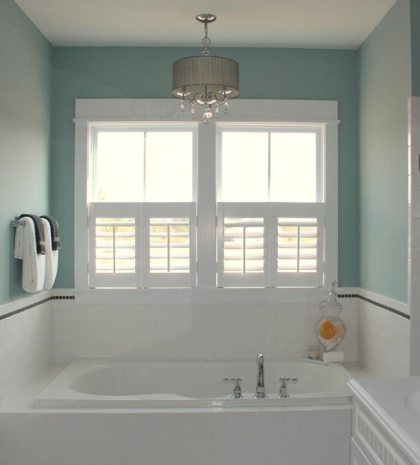 cafe-style-bathroom-plantation-shutters-wilmington-nc